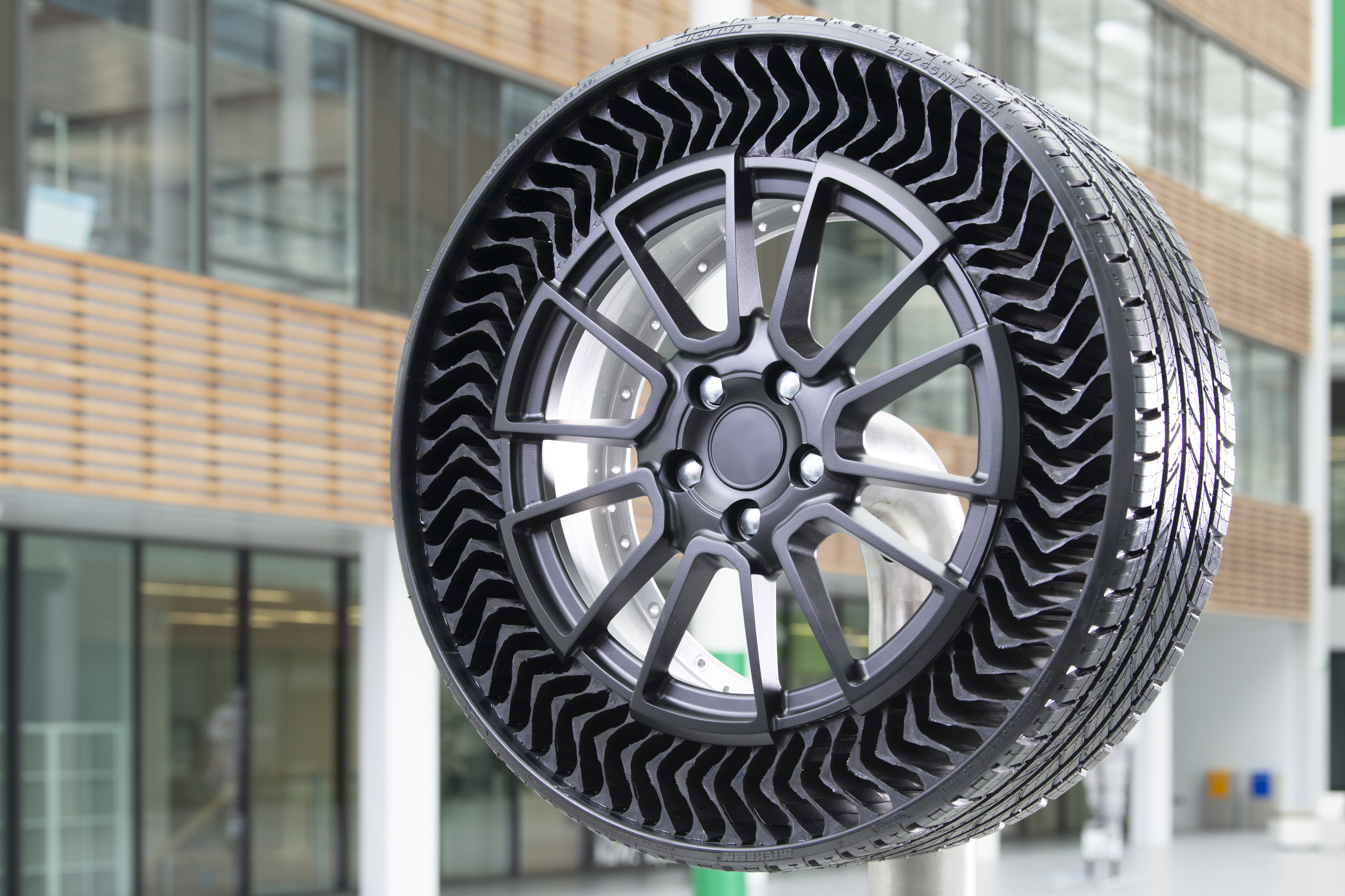 A harvest of awards for UPTIS, the puncture-proof tire developed by MICHELIN