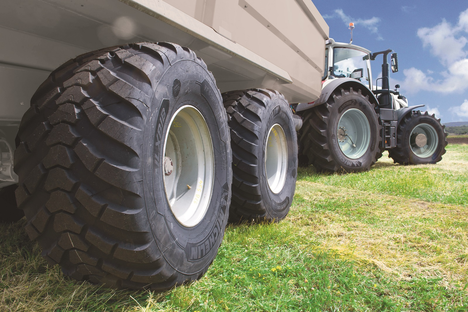 MICHELIN TRAILXBIB agricultural range expansion