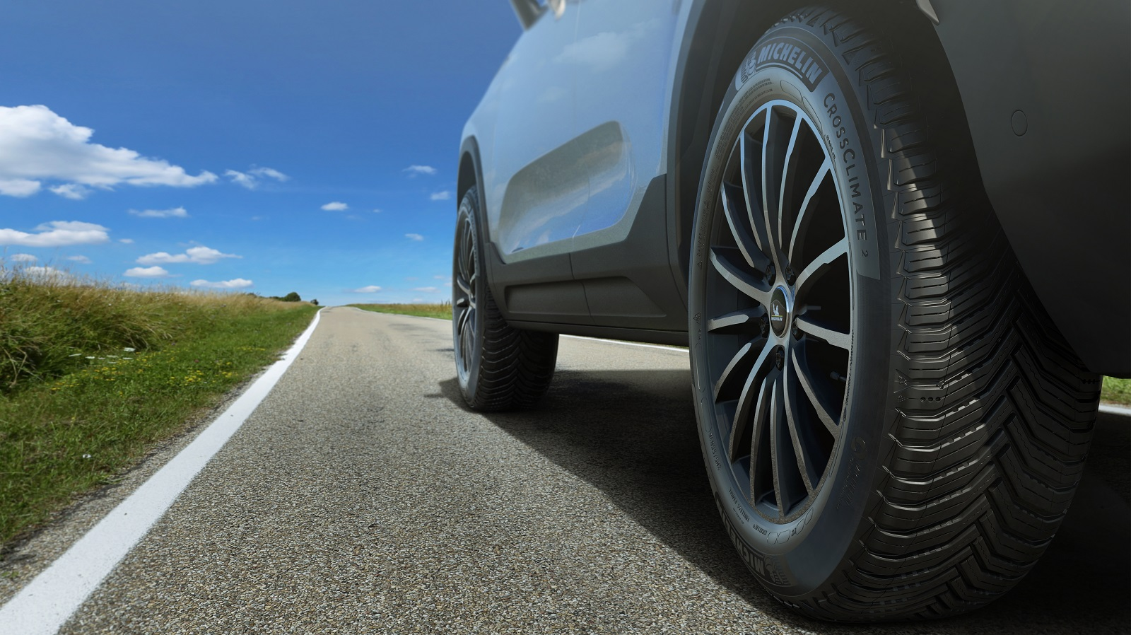 Safer and more sustainable mobility provided by the new MICHELIN CrossClimate 2 tire
